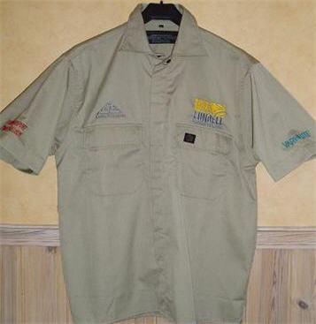 Skjorta använd av Ulf Lundells crew sommarturnén 2002